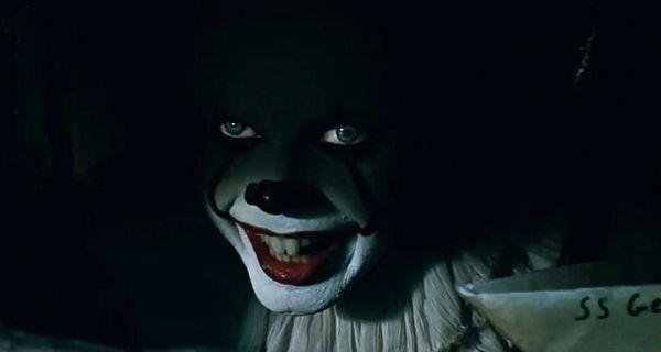 clown-pennywise-e-barchetta