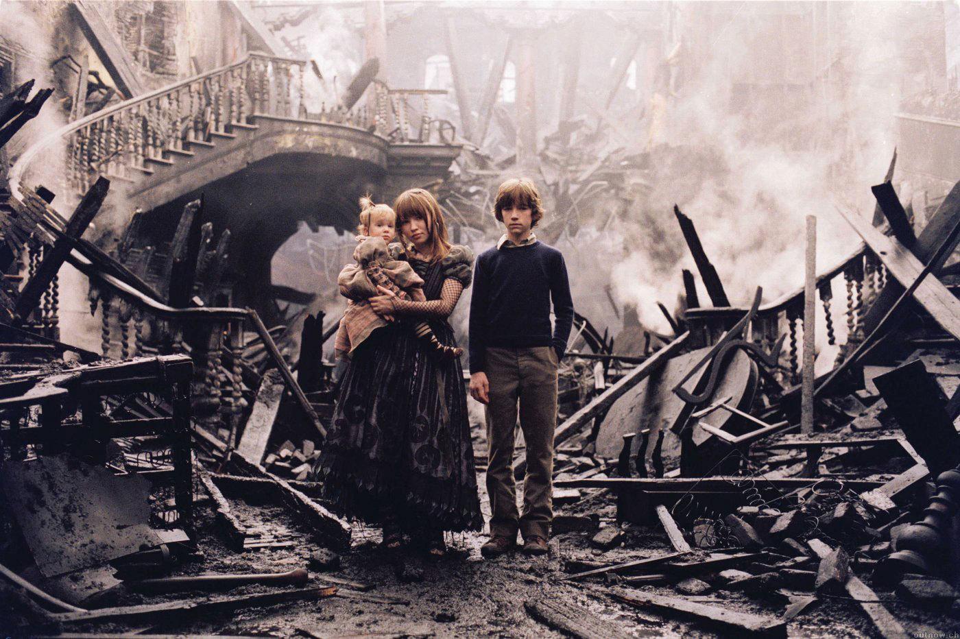 incendio-casa-baudlaire-film-2004