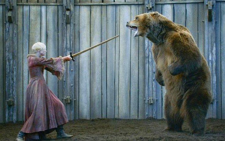 brienne-trono-di-spade-orso